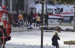 Istanbul, kamikaze tra i turisti: morti e feriti