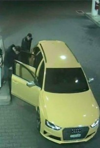 Audi gialla in fuga avvistata a benzinaio FOTO