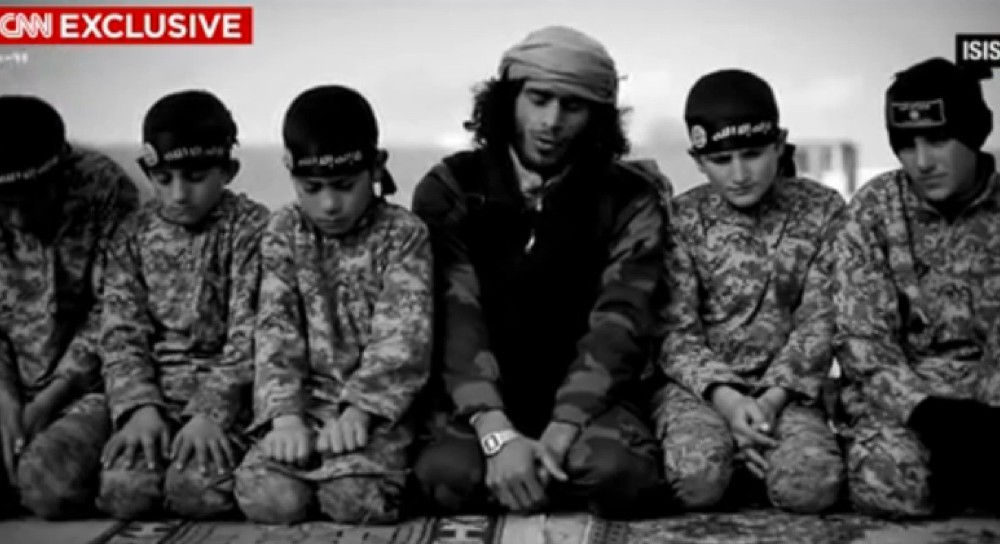 "Isis rapisce 600 bimbi curdi ""per usarli come kamikaze"""