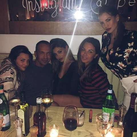 Belen Rodriguez tra Claudia Galanti, Cecilia, Isola...FOTO