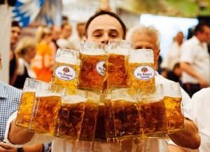 Bere birra fa bene: i 5 motivi che spiegano il perché  (foto Ansa)