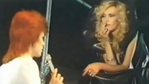 "Amanda Lear: ""David Bowie e io: due anni d'amore, poi..."""