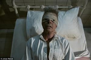 David Bowie ha avuto 6 infarti: morto di cancro al fegato