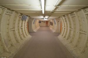 Londra: bunker antiNazi per 8mila persone. Il duce invece...