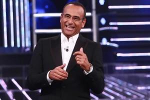 Guarda la versione ingrandita di Sanremo: Carlo Conti presenta il suo Festival