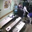 cazzotto a paziente e lo uccide: 9 anni carcere3
