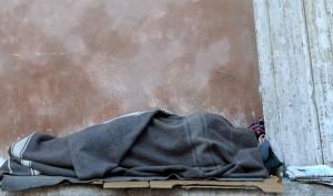 Milano, Giovanni Cosenza: pensione 350 euro, morto di freddo