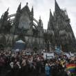 """Colonia, 2 cortei FOTO. Merkel: """"Espelleremo molestatori3"""