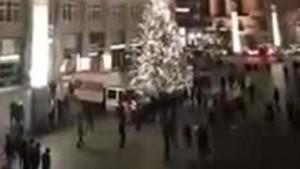 Guarda la versione ingrandita di Colonia, capo polizia lascia. 31 arresti, 18 sono rifugiati