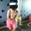 YOUTUBE Bimbo di tre anni con addominali e bicipiti scolpiti02