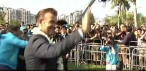 David Beckham visita squadra calcio femminile in Cina