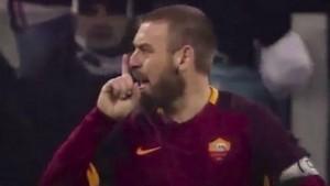 """Daniele De Rossi si scusa per """"Zingaro di m..."""" a Mandzukic"""