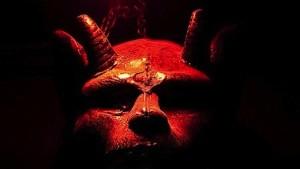"""Le diceva """"sono il diavolo"""" e la violentava: arrestato"""