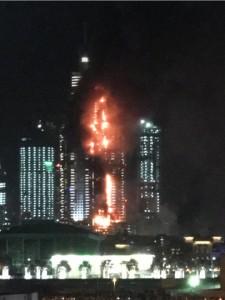 YouTube Dubai: grattacielo in fiamme, a fuoco 20 piani
