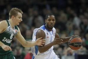 Torino: Jerome Dyson-Ian Miller picchiati in discoteca ma...
