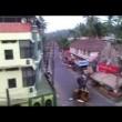 YOUTUBE India: Elefante impazzisce e distrugge tutto