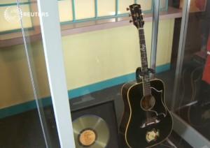 Elvis Presley, venduta a 270mila dollari sua chitarra