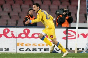 Guarda la versione ingrandita di Quagliarella esulta dopo aver segnato al Napoli con la maglia dell'Udinese (LaPresse)