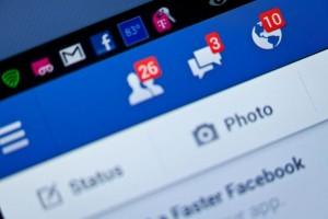 Facebook, sempre più persone si cancellano