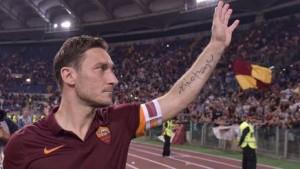"""Totti: """"Gioco altri due anni"""", video auguri a Daniele Conti"""
