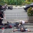 Giacarta, attentato Isis FOTO choc: morti e feriti per terra2