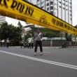 Giacarta, kamikaze e raffica di esplosioni: vittime FOTO 2
