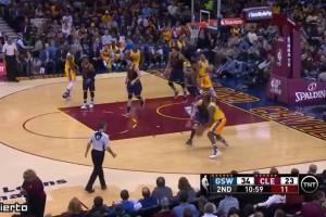 YOUTUBE Curry umilia LeBron James: lezione Warriors ai Cavs