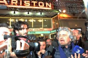 Guarda la versione ingrandita di Beppe Grillo al Festival di Sanremo (foto Lapresse)
