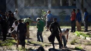 Guatemala: rissa in carcere con otto morti, due decapitati