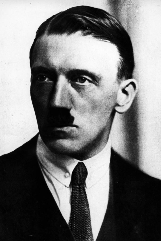 """""""Hitler e Eva Braun non si uccisero: fuggirono in Argentina"""" 6"""