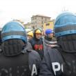 Ilva, ancora proteste a Genova: blindati fermano corteo12