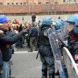 Ilva, ancora proteste a Genova: blindati fermano corteo13