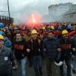 Ilva, ancora proteste a Genova: blindati fermano corteo3