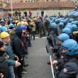 Ilva, ancora proteste a Genova: blindati fermano corteo7