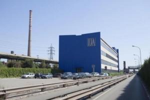 Guarda la versione ingrandita di Lo stabilimento Ilva (Foto Lapresse)
