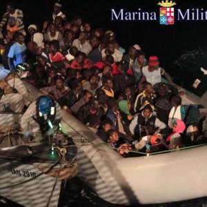 Immigrazione clandestina: governo vuole togliere reato ma...