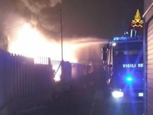 Padova, incendio all'azienda Facco: fiamme alte 30 metri