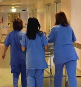 Guarda la versione ingrandita di Alessandria, in 3mila per 3 posti da infermiere. A Londra...