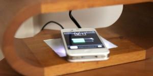 Guarda la versione ingrandita di Apple: iPhone e iPad si caricheranno senza fili e a distanza