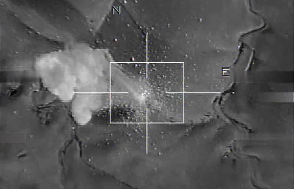"""YOUTUBE Isis senza soldi: bombe americane sui """"depositi""""3"""