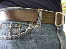 """Guarda la versione ingrandita di Jeans, a cosa serve il """"falso"""" taschino? Levi's risponde…"""