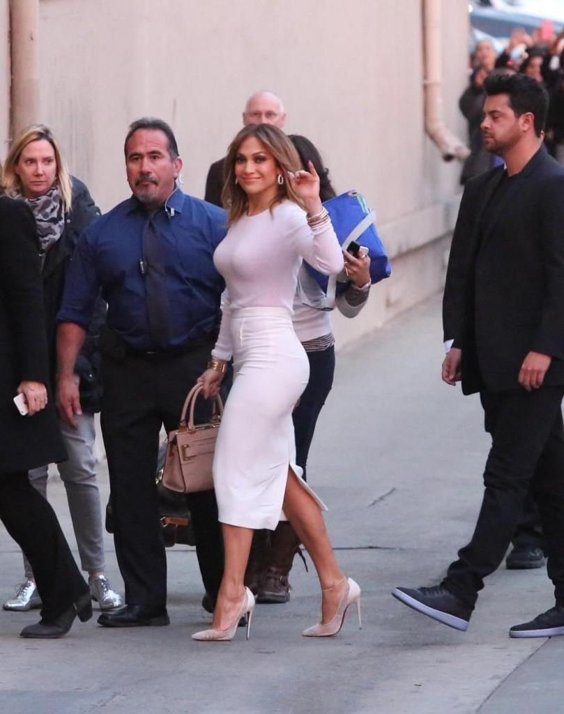 Jennifer Lopez, fisico al top a 46 anni