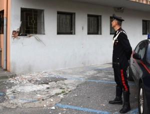 Lamezia Terme, bomba nel garage di poliziotto penitenziario