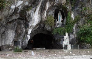 Guarda la versione ingrandita di Lourdes, miracolo 69: Danila Castelli guarita da tumore (foto Ansa)