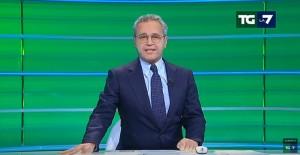 YOUTUBE Enrico Mentana perde voce a Tg La7. Niente titoli