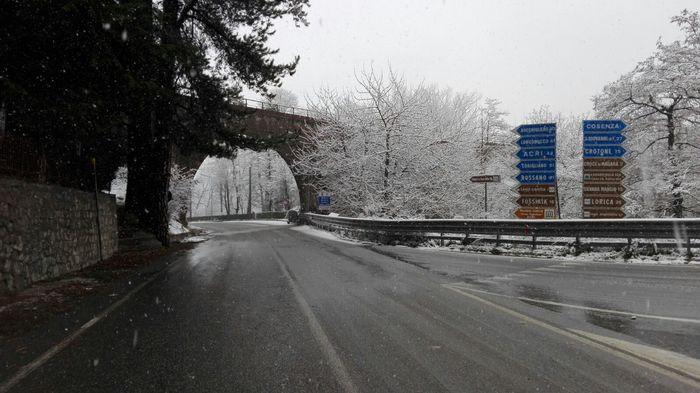 Meteo, arriva il freddo artico: neve su Calabria, Marche...04
