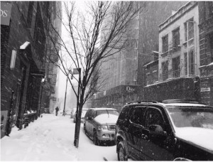 Tempesta Jonas, costa est sotto neve. Sole a Ny2
