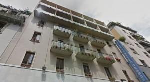 Milano, cade da sesto piano ostello: salvo per miracolo