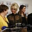 Pamela Anderson contro foie gras produttori protestano3