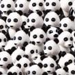 YOUTUBE Cane nascosto tra i panda: riesci a vederlo?